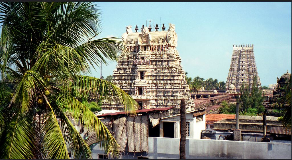 Ramanathaswamy Temple, Rameswaram, Tamil Nadu, India. December 1999 (Photo by Ryan) Creative Commons license via Flickr.